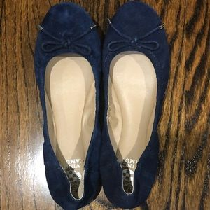 New ! Vince Camuto Navy suede ballet flats